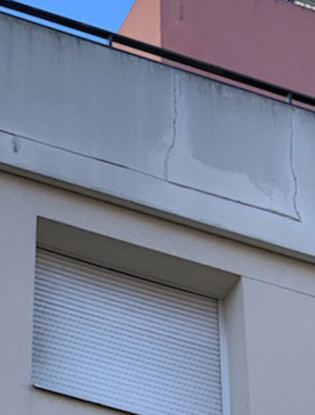 Infiltrations sur toiture terrasse et façade + fissures